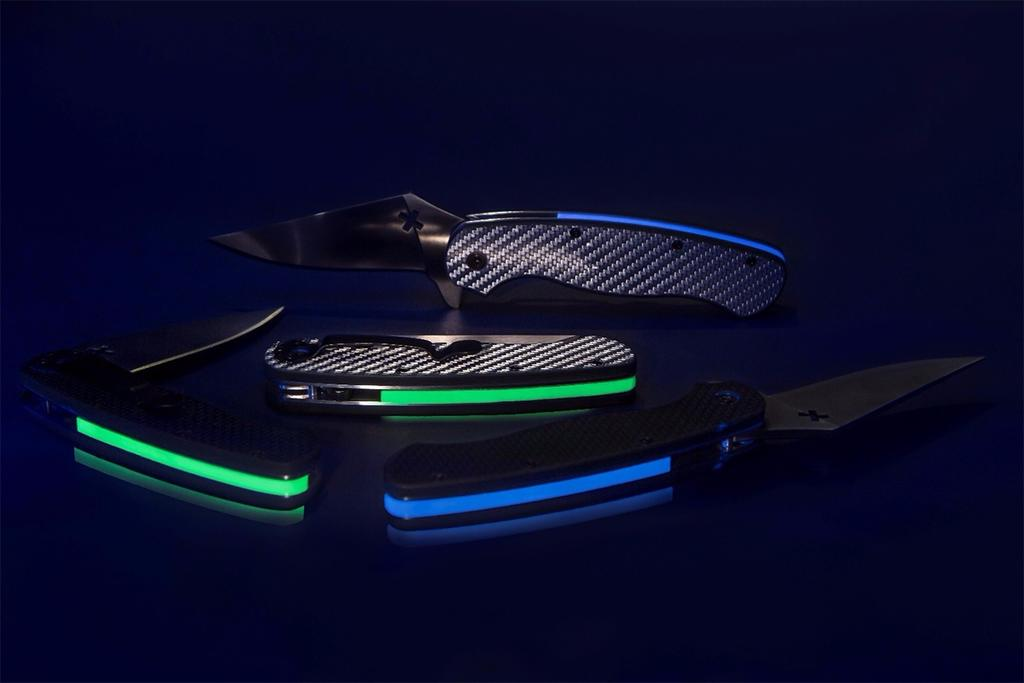 Axis Glowing Blades