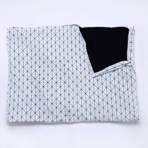 Folding A-Part Throw, Mikabarr