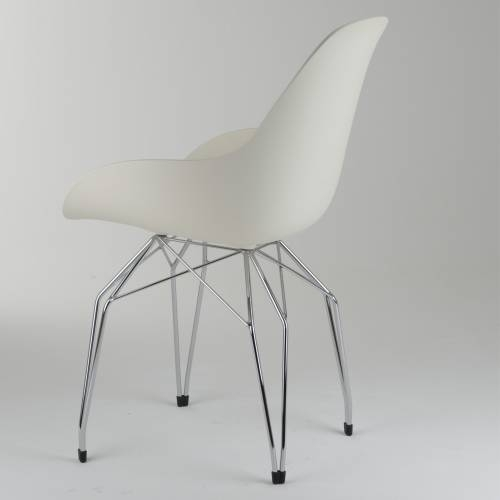 Diamond Dimple Closed Chair | Kubikoff
