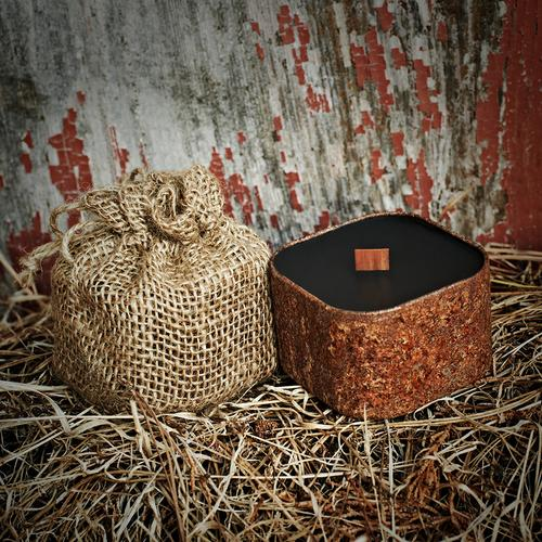 Bunkhouse - Barnwood, Apple & Leather