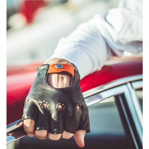 The Authentic Race   Lambskin Driving Glove   The OutlierMan