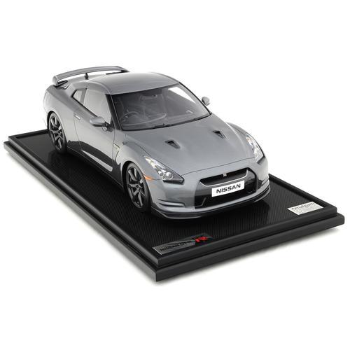 Nissan | GT-R 2007 | Amalgam | 1:8 Scale Model Car