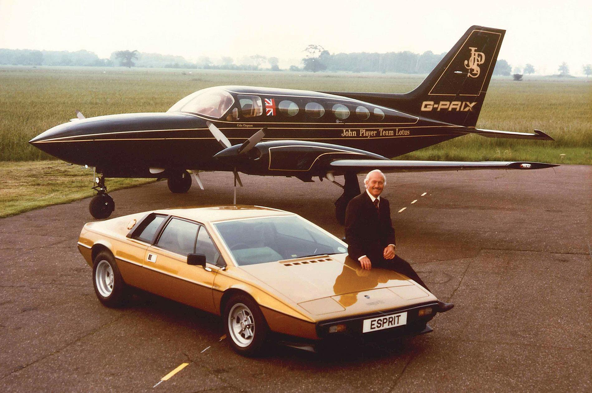 Colin Chapman used carbon fiber to reduce the weight of Lotus F1 cars